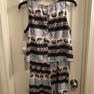 Cute romper never worn with tags
